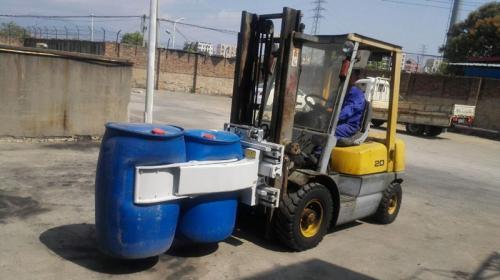 Forklift Drum Clamp With Plastic Drum